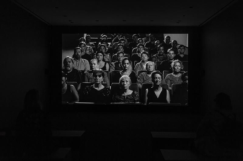 Shirin Neshat, Roja, 2016, dingle-channel black and white video/audio installation. Duration: 15 minutes, 20 seconds. Nell'ambito di: Shirin Neshat. Dreamers, Gladstone Gallery, New York. Courtesy: the artist and Gladstone Gallery, New York and Brussels