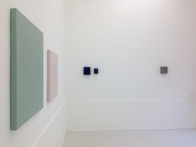 Aspetti di superficie: Sonia Costantini, Marco Mendeni, Stan Van Steendam, veduta della mostra (Stan Van Steendam e Sonia Costantini), Theca Gallery, Milano