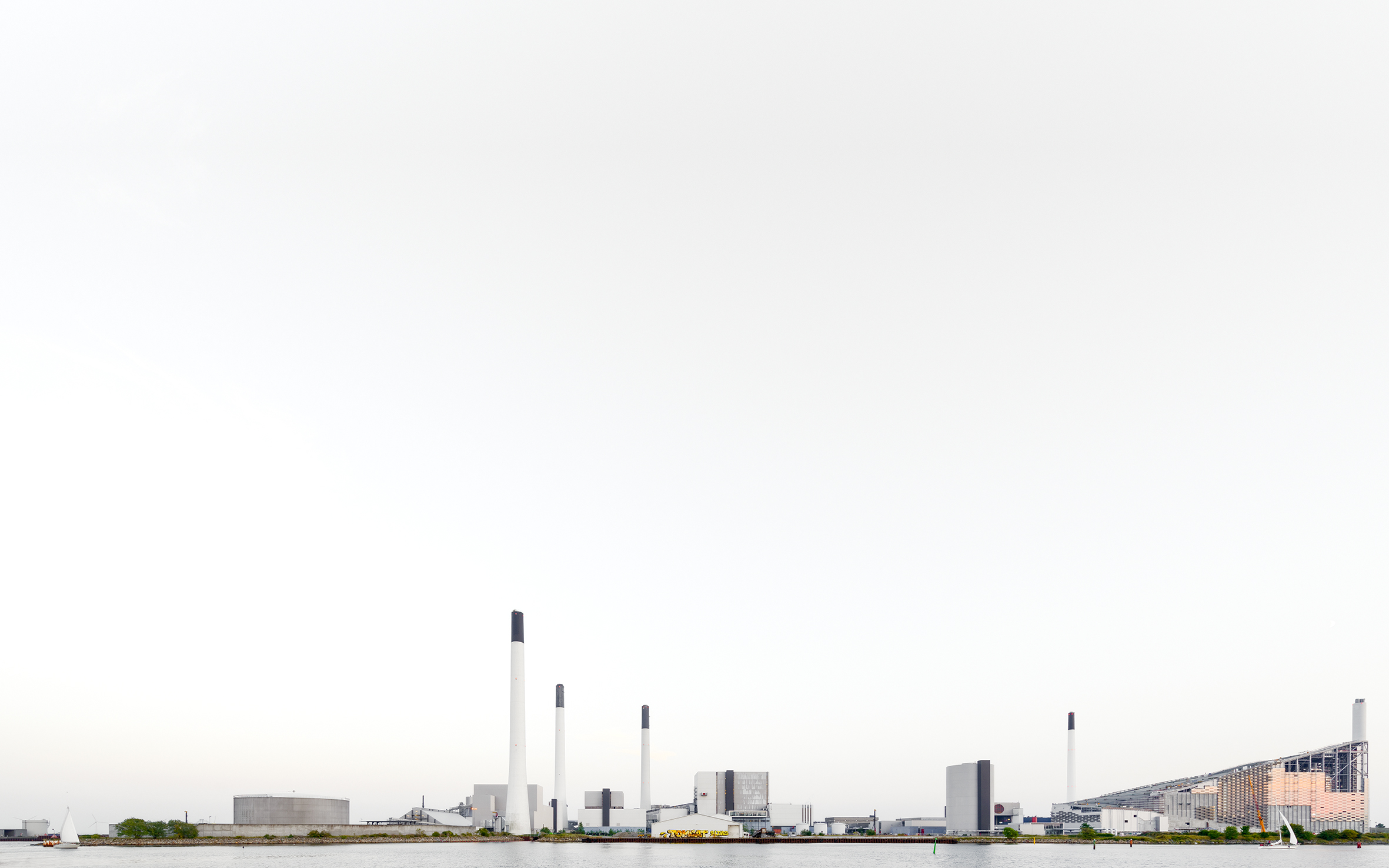 Luca Lupi, Landscape, Copenaghen, 2016, archival pigment print, 20x32 cm