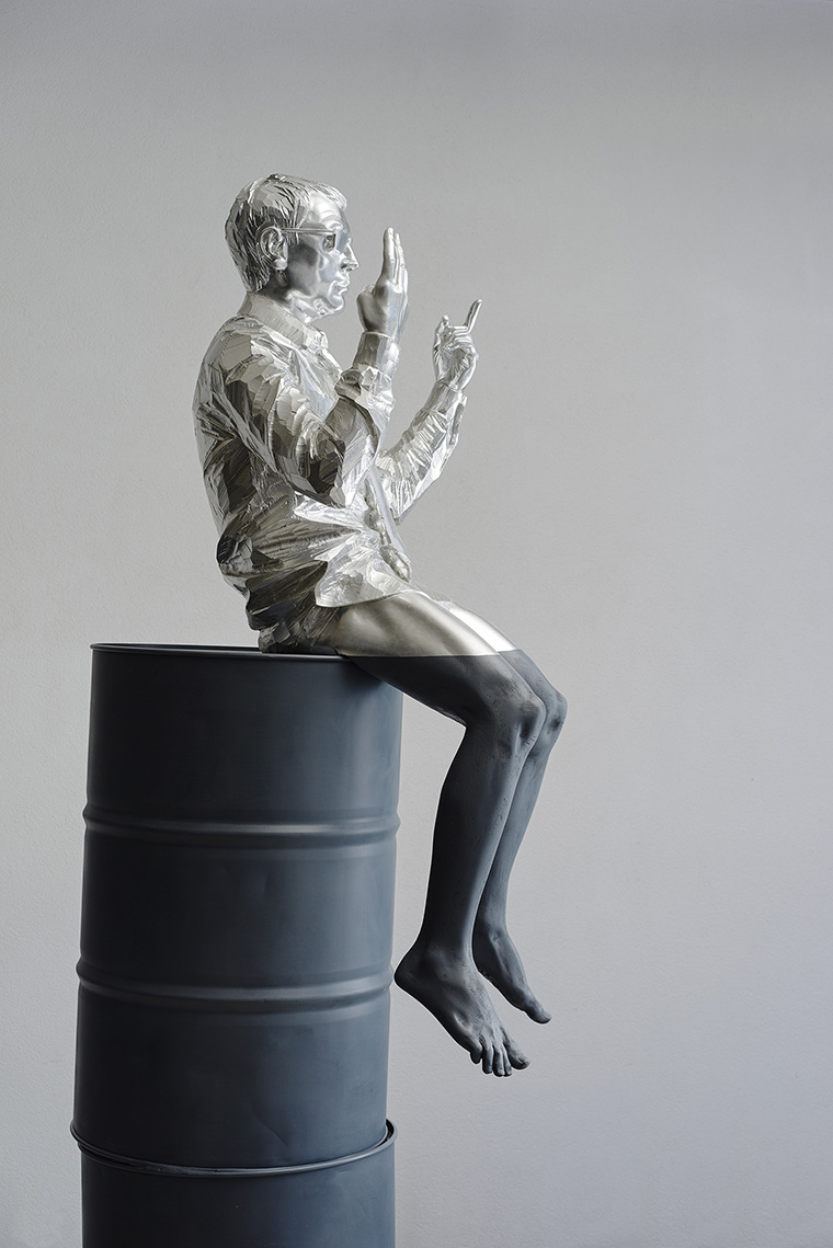 Willy Verginer, Where has the Stockbroker gone, 2015, lindenwood, arcryl color, aluminum leaf, iron, 270x93x64 cm