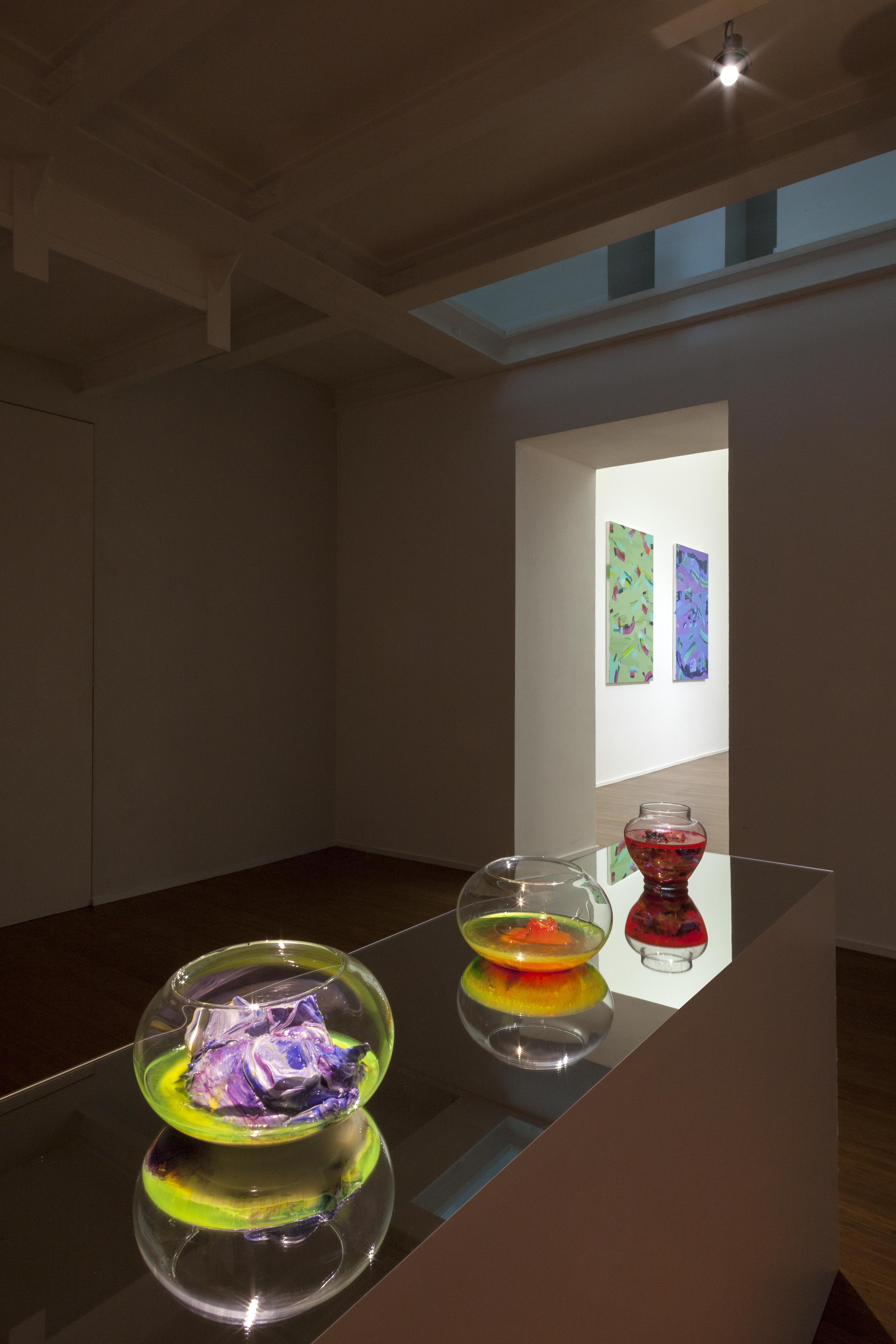 Isabella Nazzarri, Clinamen, allestimento sala Specchio, veduta della mostra da ABC-ARTE Genova