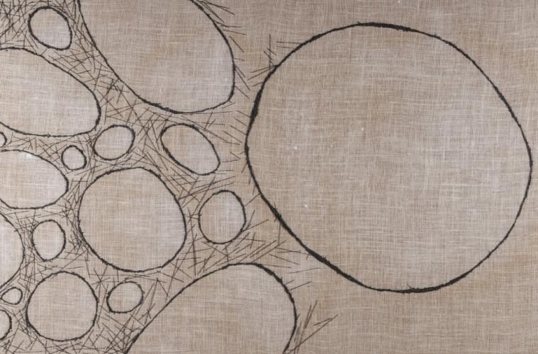 Florencia Martinez, Hungry, un vuoto grande come un mondo, 2017, ricamo su iuta e olio, 100x200 cm