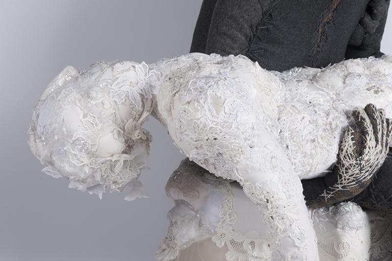 Florencia Martinez, Honey, La Pietà, particolare, 2017, scultura in tessuto, 120x70x80 cm