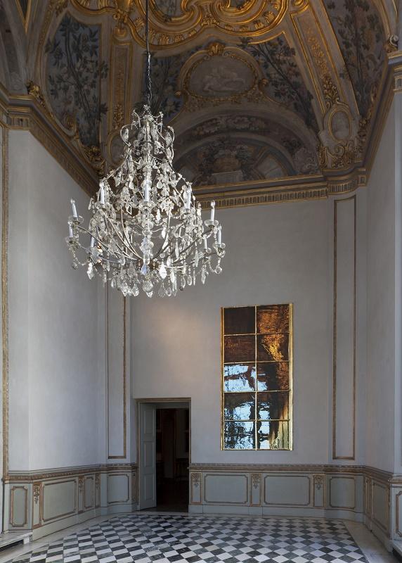 Doppio sogno, 2017 fotografia stampata su raso, 298x140 cm, veduta d'installazione Courtesy Gagosian Gallery. Foto: Sebastiano Pellion di Persano