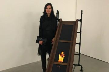 Anna Skoromnaya con l'opera vincitrice dell'Arteam Cup 2017