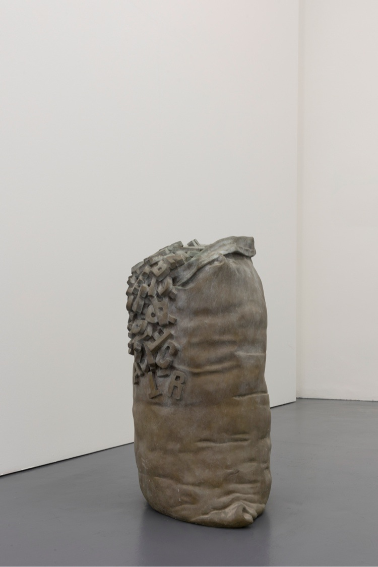 Antonio Trotta, Charles Baudelaire, 2002, fusione in bronzo, 80x50x44 cm Ed.6/6 Foto Nicola Gnesi