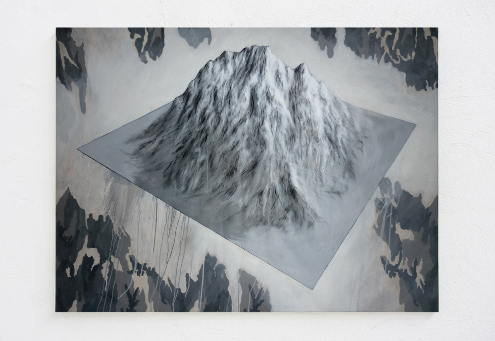 Luigi Massari, Monte Zeta, 2017, acrilici e grafite su telone militare, 136x186x 2,5 cm