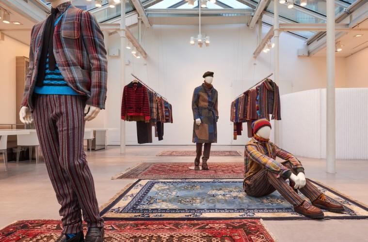 """Missoni showroom, opere """"Carpet"""" di Loredana Longo, Collezione Missoni Uomo Winter 2018"""
