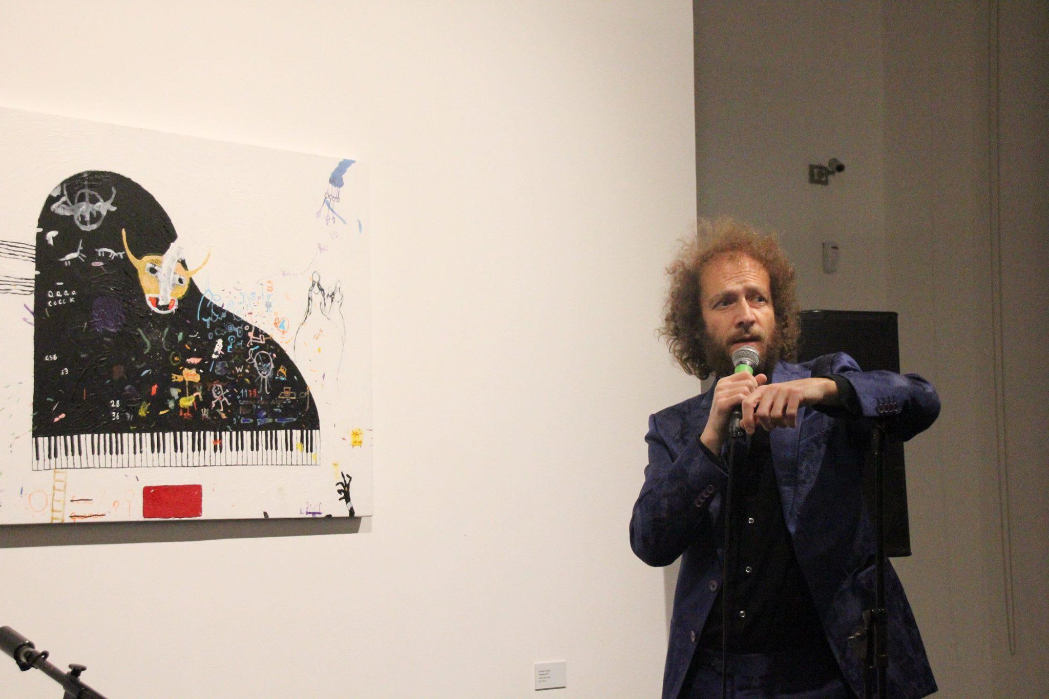"""Francesco Tricarico durante il concerto, """"Il Millennio è maggiorenne tour"""" in occasione dell'opening della mostra al Marca"""