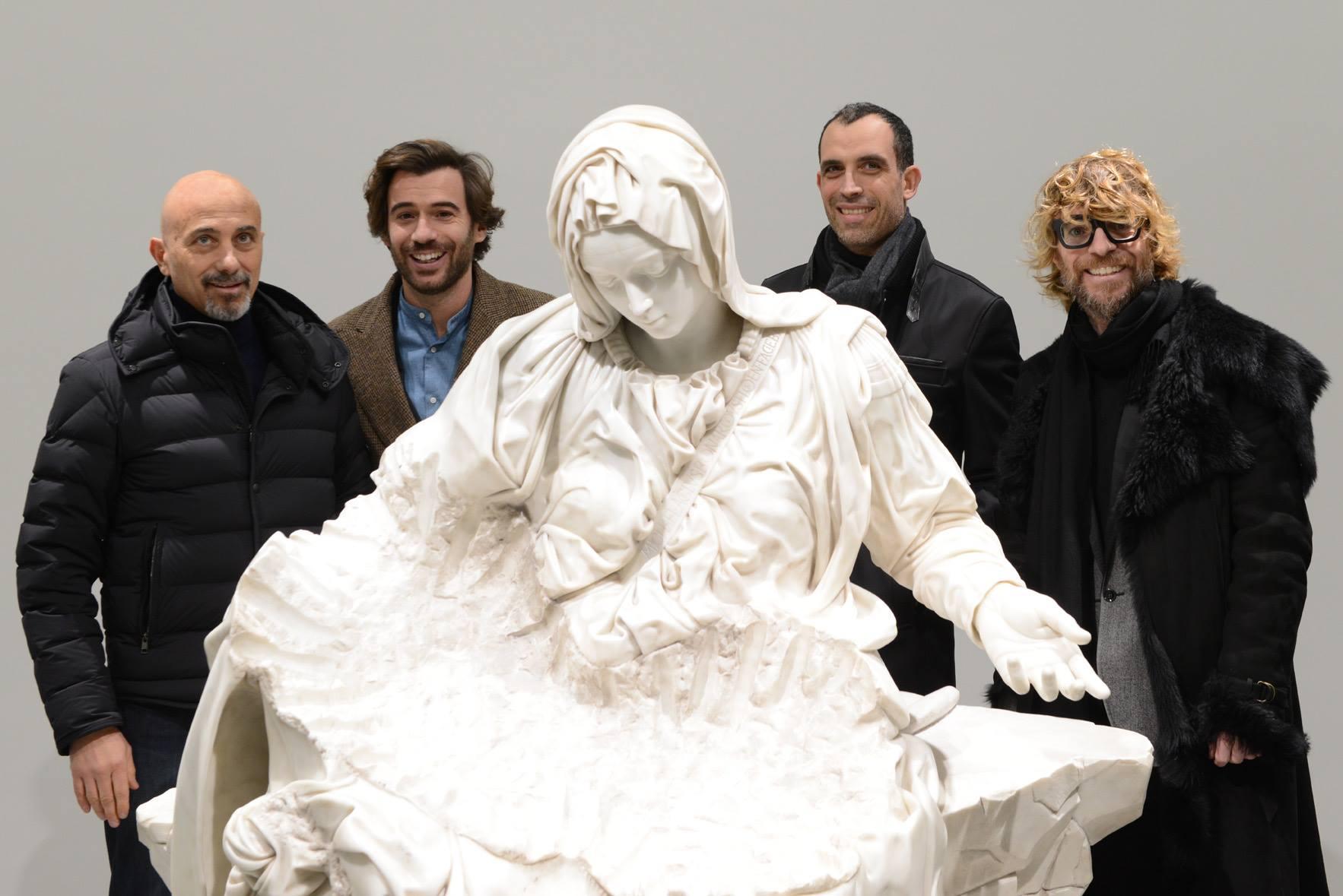 Una veduta dell'opening della mostra Lucky Ehi, da sinistra Sergio Risaliti, Marco Poggiali, Fabio Biale, Lorenzo Poggiali