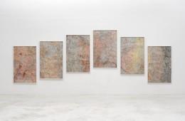 Giorgia Severi, Once there was the Ocean – Mt. Zeil, West MacDonnell Range 2016, frottage – grafite e pigmenti su carta, 150 x 600 cm