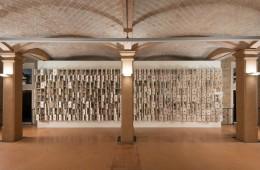 Bertozzi & Casoni, Composizione non finita-infinita, 2009, ceramica policroma, cm. h. 285 x 1000 x 27