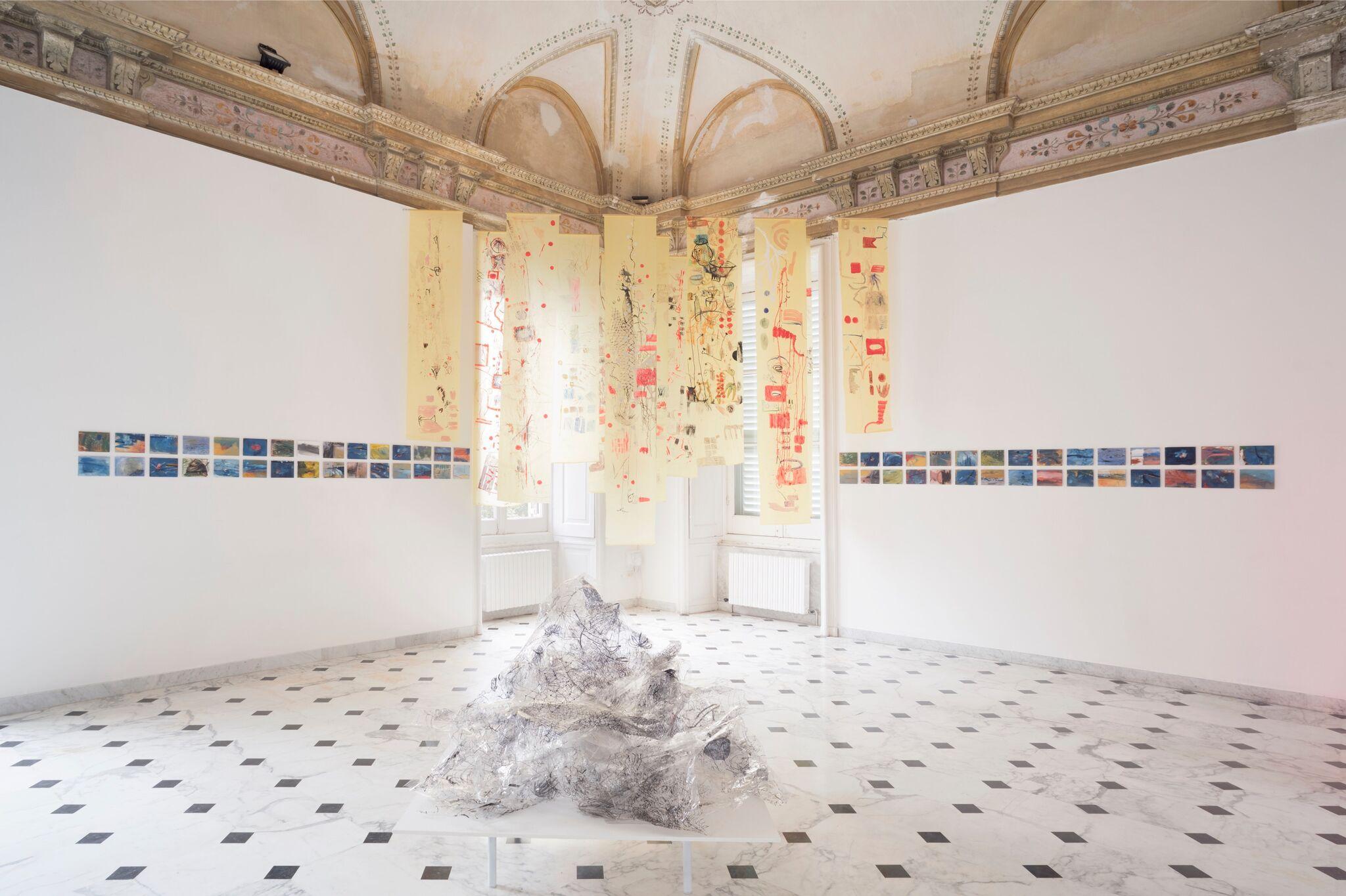 Elisa Montessori, veduta installazione, Vita morte miracoli. Courtesy dell'artista e Galleria Monitor. Foto di Anna Positano