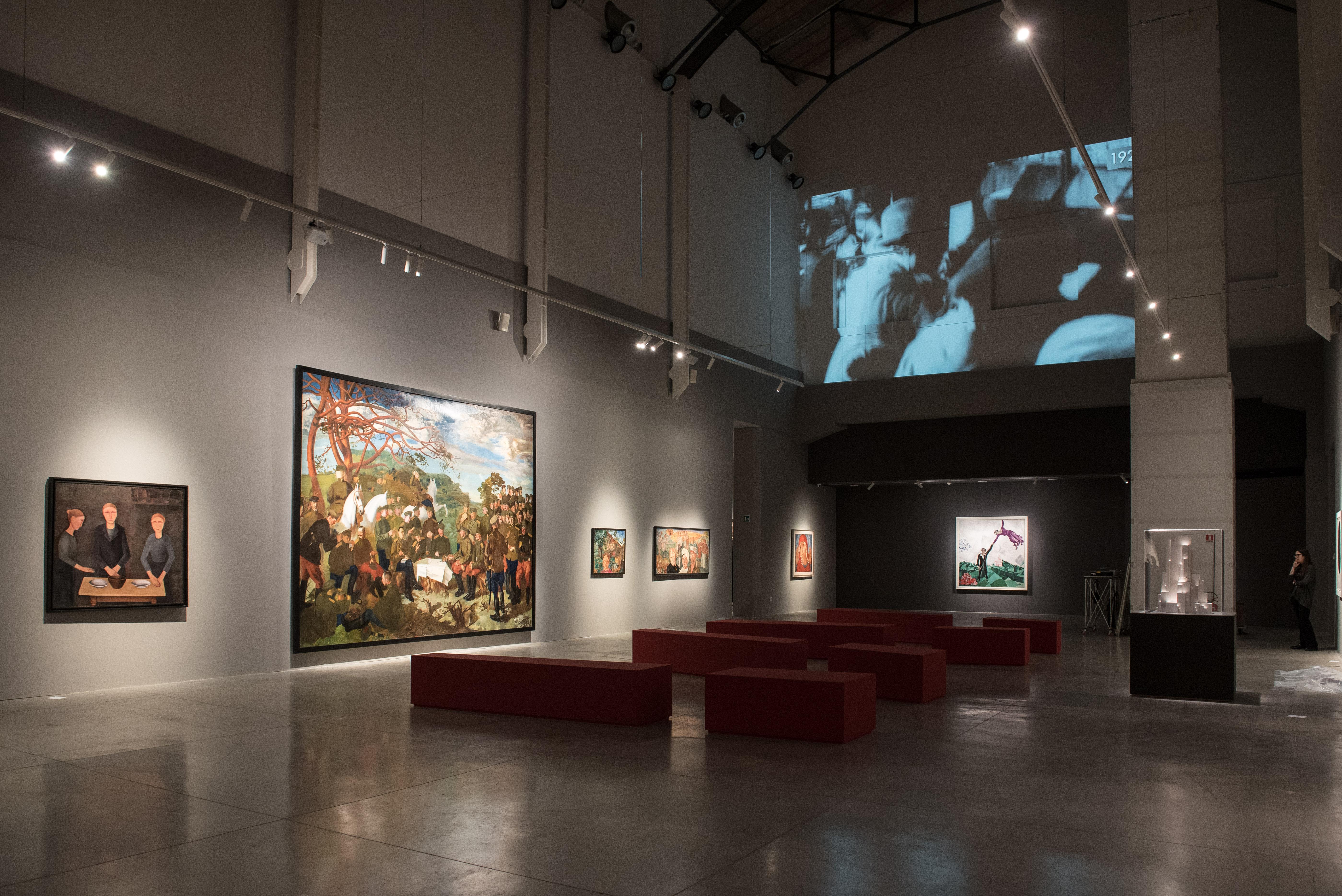 Veduta della mostra Revolutija: da Chagall a Malevich da Repin a Kandinsky. Capolavori dal Museo di Stato Russo. © State Russian Museum, St. Petersburg