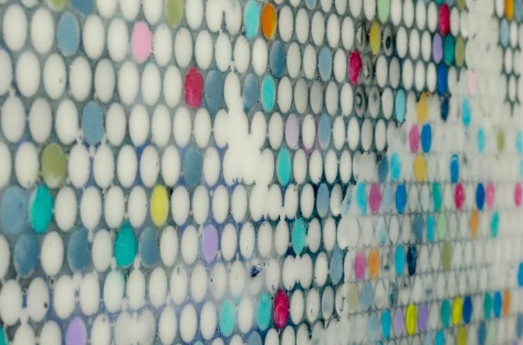Gianluca Patti, Light Noise, 2017 (dettaglio), acrilico e resina su tela,100x100 cm (dalla serie Frequencies)