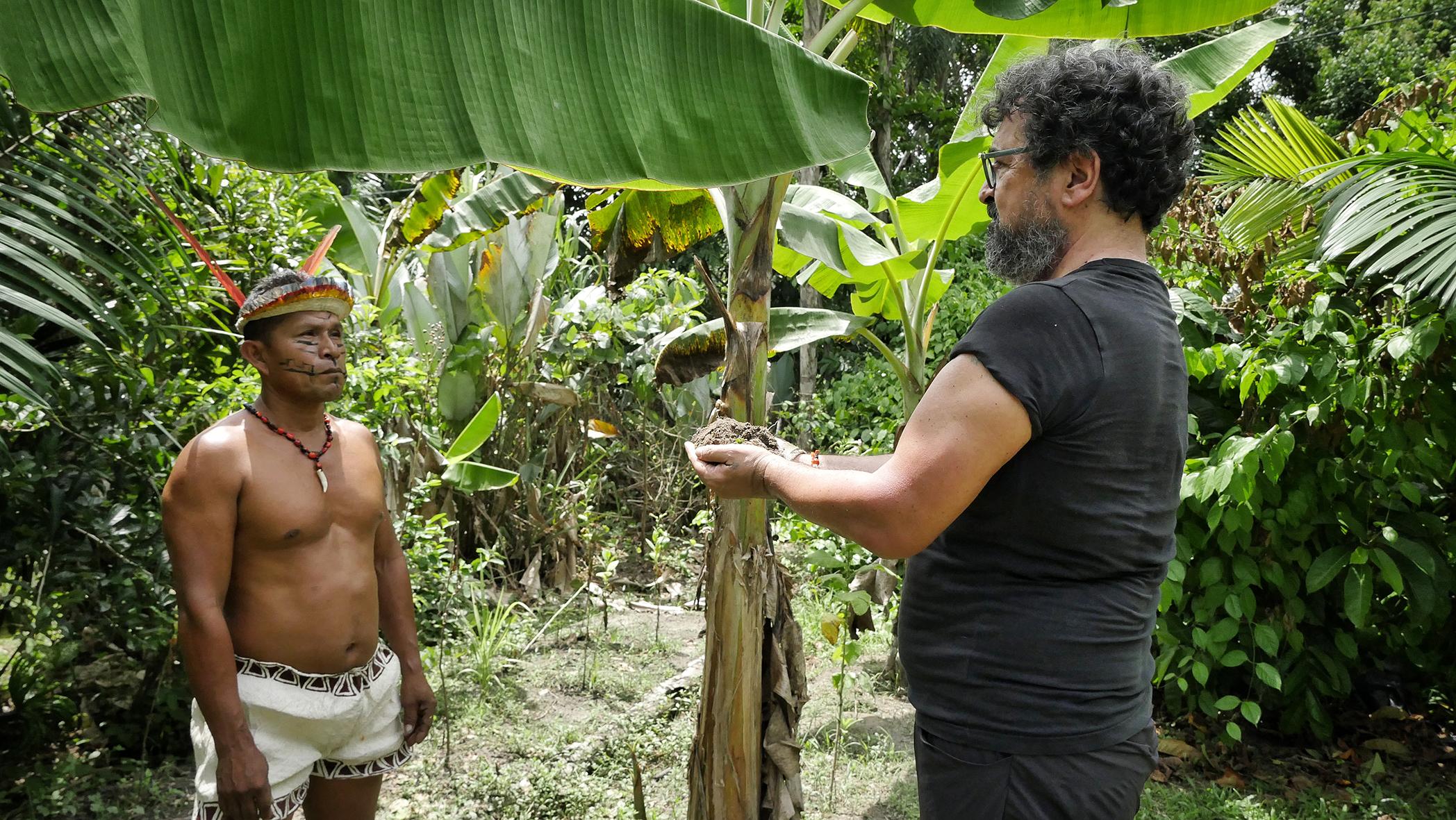 TARSHITO con il curandero RITER MURAYARI YOIMACHI della comunità BORAS di San Cirillo, Perù