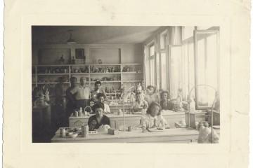 Fotografia del laboratorio Lenci di via Cassini, foto dell'Archivio Storico della Città di Torino
