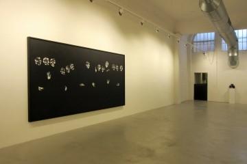 """Allestimento della mostra di Lorenzo Puglisi """"Scintille di un fuoco nero"""". LABS Gallery, Bologna"""