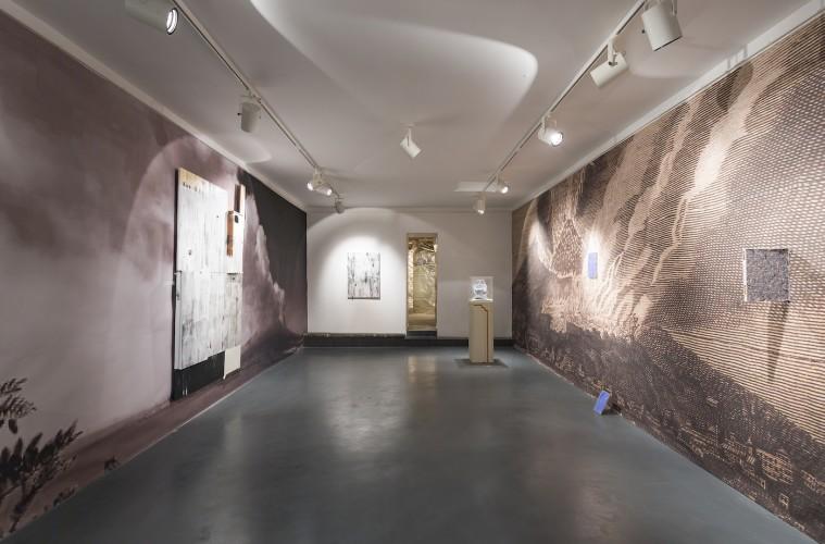 Lapo Simeoni, Diorama/Napoli, veduta della mostra, Intragallery, Napoli