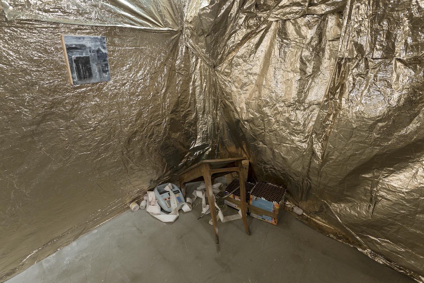 Lapo Simeoni, Grotta, veduta della mostra, Intragallery, Napoli
