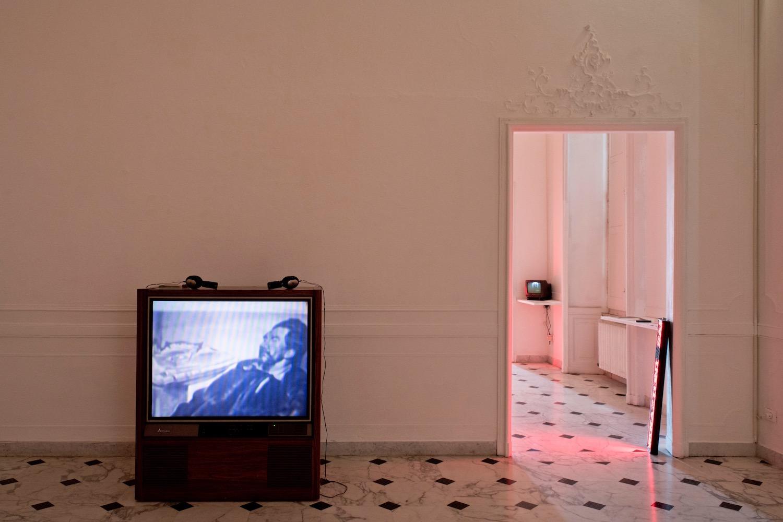 Veduta della mostra, Vita, morte e miracoli, Villa Croce, Genova. Foto: Anna Positano