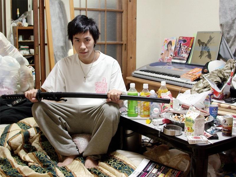 Francesco Jodice, Yasuaki, Hikikomori, 2004, stampa inkjet su carta cotone, 65x83 cm © Francesco Jodice, Galleria Civica di Modena, Raccolta della Fotografia, StartFragment
