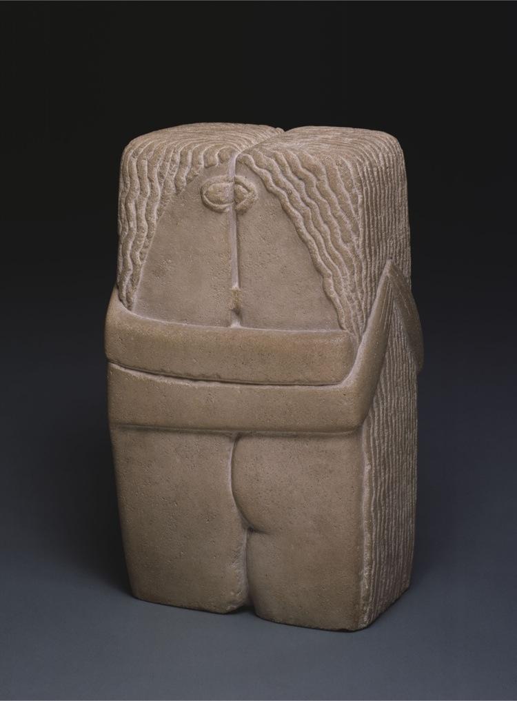 Constantin Brancusi, Il bacio, 1916, pietra calcarea, 58.4x33.7x25.4 cm, Philadelphia Museum of Art, Collezione Louise e Walter Arensberg, 1950